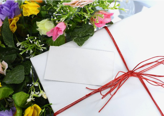 プレゼントに添えると喜ばれるメッセージとは?